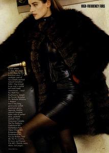 Metzner_Vogue_US_November_1987_04.thumb.jpg.9f5ee9171480d0b7ebf75d6fc0f12f05.jpg