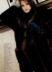 Metzner_Vogue_US_November_1987_06.thumb.jpg.1211630283dce526128c3452729fad45.jpg