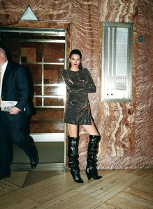 Vogue-US-July-2017-Kendall-Jenner-by-Theo-Wenner-05.jpg