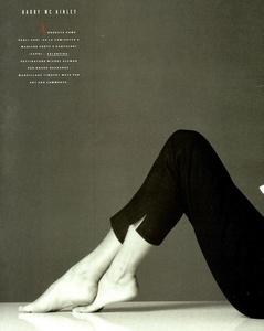 Vogue_Italia_February_1989_17.thumb.jpg.66039abde1c64e34733b4e9d619736fd.jpg