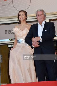 alain-delon-and-marine-lorphelin-attend-the-premiere-of-zulu-and-the-picture-id169580964.jpg