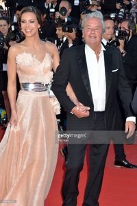 alain-delon-and-marine-lorphelin-attend-the-premiere-of-zulu-and-the-picture-id169581022.jpg