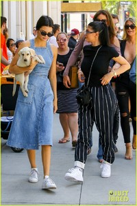 kendall-kylie-jenner-spend-fathers-day-at-car-show-with-caitlyn-12.jpg