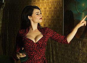 kinopoisk.ru-Emma-Pierson-1806607.jpg