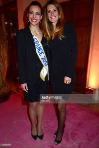 miss-france-2013-marine-lorphelin-and-miss-france-1998-sophie-attend-picture-id165412993.jpg