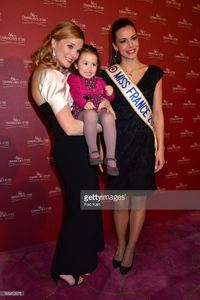 presenter-france-pierron-her-daughter-and-miss-france-2013-marine-picture-id165412975.jpg
