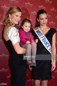 presenter-france-pierron-her-daughter-and-miss-france-2013-marine-picture-id165412985.jpg