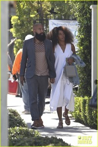 solange-knowles-lunch-gracias-madre-alan-01.jpg