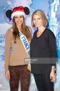sylvie-tellier-and-marine-lorphelin-attend-the-christmas-season-at-picture-id187496496.jpg