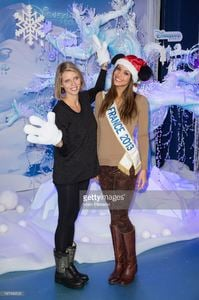 sylvie-tellier-and-marine-lorphelin-attend-the-christmas-season-at-picture-id187496503.jpg