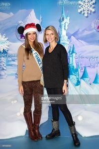 sylvie-tellier-and-marine-lorphelin-attend-the-christmas-season-at-picture-id187496508.jpg