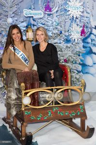 sylvie-tellier-and-marine-lorphelin-attend-the-christmas-season-at-picture-id187496511.jpg