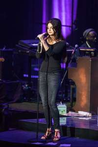 Lana-Del-Rey-Performs-at-O2-Academy-Brixton--03.jpg