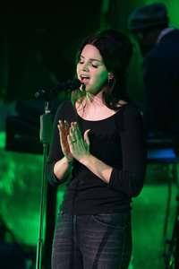 Lana-Del-Rey-Performs-at-O2-Academy-Brixton--05.jpg