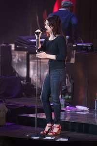 Lana-Del-Rey-Performs-at-O2-Academy-Brixton--07.jpg
