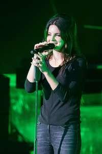 Lana-Del-Rey-Performs-at-O2-Academy-Brixton--10.jpg
