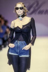 5_blumarine-fw-1993-6_html.thumb.JPEG.994bb1bd137141918c9fdfd8c8b20f7c.JPEG