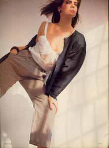 Comte_Vogue_US_March_1983_04.thumb.jpg.a177d6f648ce0155fa31a2ee78004e2a.jpg
