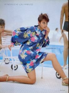 Comte_Vogue_US_May_1982_03.thumb.jpg.c23c8d8d9be56992ac249f482d36c4b6.jpg