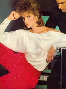 Giaviano_Vogue_US_November_1982_03.thumb.jpg.0323f6da49753ac930d29007f27ab405.jpg