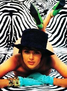 Glamour_France_Sept_1990_29.thumb.jpg.8cdeca80f43bd431b15972a82bf73899.jpg