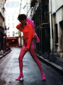 Glamour_France_Sept_1990_36.thumb.jpg.097ae9f6b6292f6dddd3c78ef19c8dfc.jpg