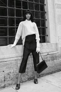 Jourdan-Dunn-Vogue-Arabia-July-August-2017-Cover-Photoshoot08.jpg
