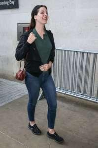 Lana-Del-Rey-at-BBC-Radio-1-Studios--03.jpg