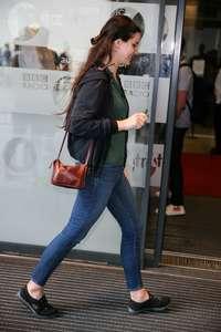 Lana-Del-Rey-at-BBC-Radio-1-Studios--05.jpg