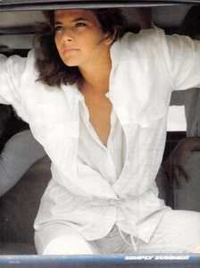 Piel_Vogue_US_June_1982_10.thumb.jpg.f826ce6dee2dae0d2127bbb17b6e9a97.jpg