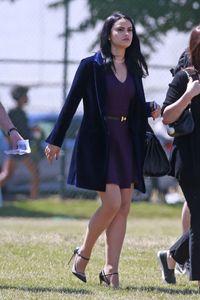 camila-mendes-filming-riverdale-in-vancouver-july-11-2017-1.thumb.jpg.940bf53ee27596912c67000c811ce032.jpg