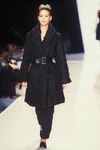 donna-karan-fw-1995-1.thumb.jpg.afc9ae89185fc0266979379221eda361.jpg