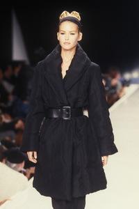donna-karan-fw-1995-2.thumb.jpg.ebeb032ea830079d6af6b533017f69c2.jpg