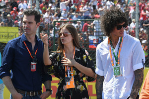 f1-hungarian-gp-2017-barbara-palvin-model-and-actress-on-the-grid-with-marc-hynes.thumb.jpg.44dc22a498d92317bd7eeeb987ca2a3c.jpg