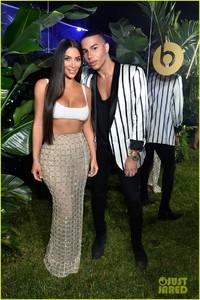 kim-kardashian-steps-out-in-style-to-celebrate-balmain-l-a-boutique-opening-13.jpg
