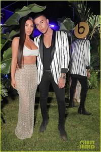 kim-kardashian-steps-out-in-style-to-celebrate-balmain-l-a-boutique-opening-16.jpg