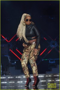 mary-j-blige-says-divorce-from-kendu-isaacs-has-been-hell-01.jpg