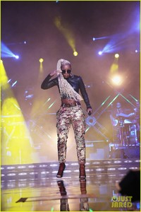 mary-j-blige-says-divorce-from-kendu-isaacs-has-been-hell-09.jpg