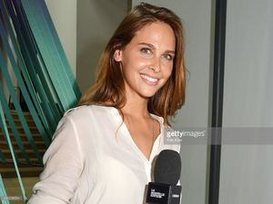 ophelie-meunier-attends-the-rentree-de-france-televisions-at-palais-picture-id454238534.jpg
