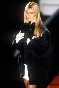versace-fw-1995-3.thumb.jpg.e7f66ad5f5b3e718bd73faeabb328be7.jpg