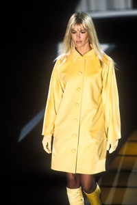 versace-fw-1995-5.thumb.jpg.4da87f79c4bf77c872c532ef3cab2c33.jpg