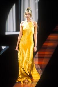 versace-fw-1995-7.thumb.jpg.81e0dfadba7fb86ee8524fa288038164.jpg