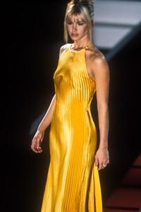 versace-fw-1995-8.thumb.jpg.52078108c6517836d961c3cd4aeafb15.jpg