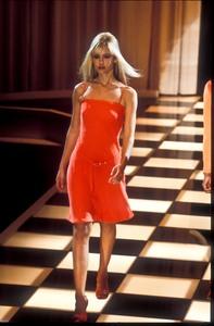 versace-ss-1996-1.thumb.jpg.7babaa556300adbc88e4d6d3f731e333.jpg
