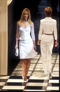 versace-ss-1996-4.thumb.jpg.a7b9cefac7e05808c5fa1b67a604169e.jpg