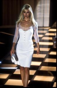 versace-ss-1996-5.thumb.jpg.1cedcba457703276ea5880ef855e1f40.jpg
