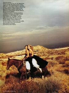 von_Unwerth_Vogue_UK_March_1992_09.thumb.jpg.d59d2045fffdc5f6f1979d4ff1fde7fe.jpg
