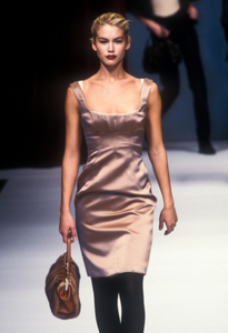 5981f9305ebb1_dolcegabbana-aw-1996-13.thumb.png.1b2c05fa115e46311a9b65f44842bc93.png