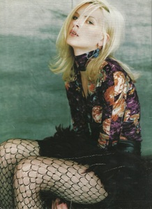 Marie Claire Germany 9 96 03.jpg