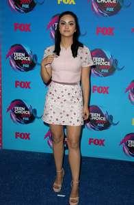Camila-Mendes--2017-Teen-Choice-Awards--01.thumb.jpg.9924c4f5d2aa974cb0073c767b940b2e.jpg